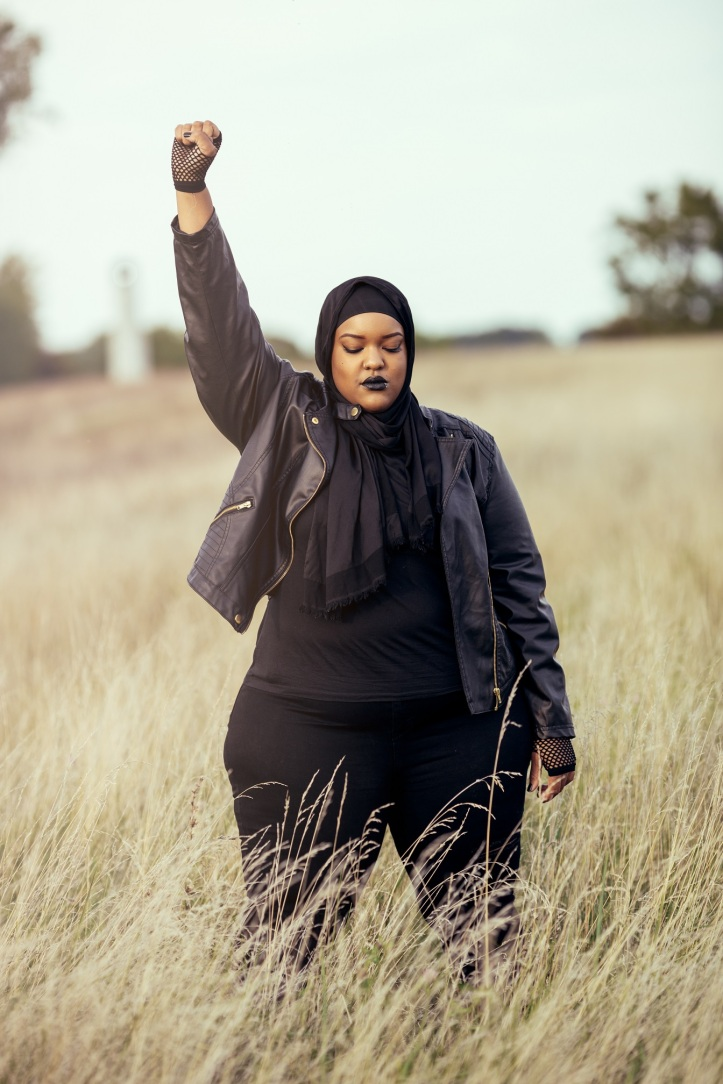 All Black Everything Leah-Vernon-Muslim-Girl-Plus-Size-Model-Detroit-Body-Positive-Writer-1